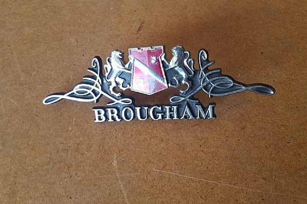 Emblem Chrysler New Yorker Brougham 74-78